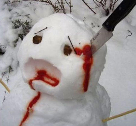 funny-wtf-snowman-stab-head
